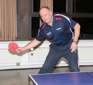 Werner Hardt holte den Ehrenpunkt beim 1:9 seines TuS Weinbach II gegen Odersbach II